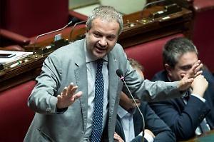 """Mes Volano parole grosse Borghi a Conte: """"Lei è un traditore"""""""