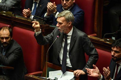 """L'assalto rosso a Salvini: """"Ora cancelliamo i decreti Sicurezza"""""""