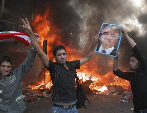 Disordini e scontri a Beirut Bilancio da incubo: oltre  220 feriti