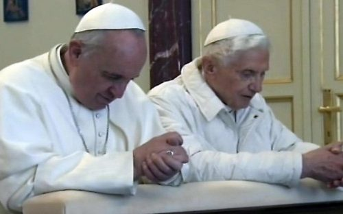 Celibato preti: botta e risposta Benedetto XVI-Bergoglio