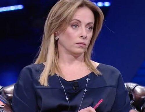 """Paura per Giorgia Meloni: """"Non dormo più la notte, dice cose terribili"""" Preso lo stalker"""