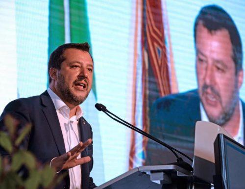 """Droga, Salvini lancia la bomba: """"In Parlamento qualcuno la difende perché ne fa uso"""" E scoppia la polemica"""