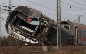 Tragedia a Lodi Deraglia Treno: due morti e oltre 20 i feriti