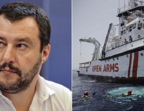 """L'affondo di Salvini alla Open Arms: """"Poteva andare altrove ma decise di attraccare in Italia"""""""