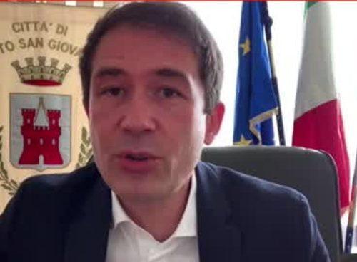 """Il sindaco Di Stefano sbugiarda Conte: """"4,3 miliardi?   Tutte balle. Dice cazzate"""""""