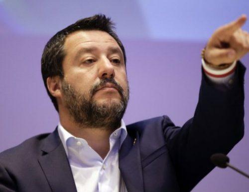 Salvini a valanga contro l'UE dopo l'ennesimo rifiuto E invoca l'Italexit 15 giorni per pensare? Ora? Sarà strage!