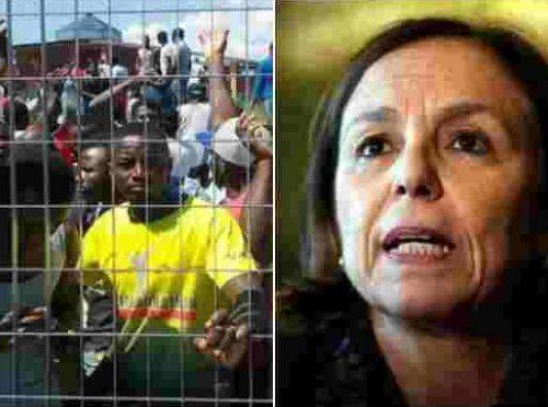 La Lamorgese fa tremare il Paese Vuole spargere i migranti in tutta Italia