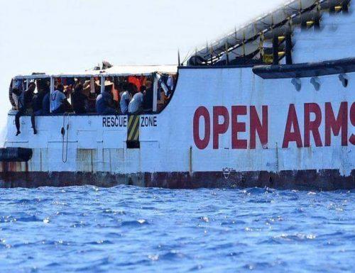 La prepotenza delle Ong Pronte a scaricare altri migranti sulle nostre coste