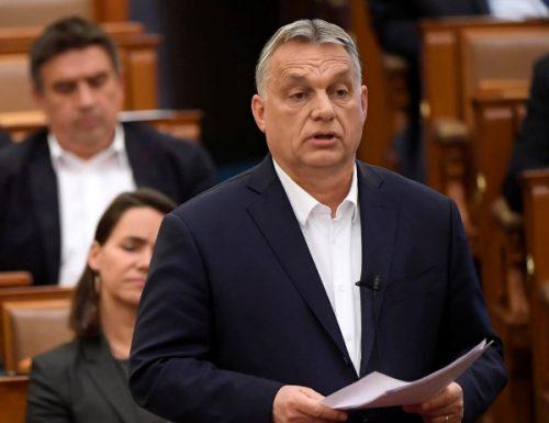 Ungheria Il parlamento approva: pieni poteri a Orban per fronteggiare l'emergenza Covid-19