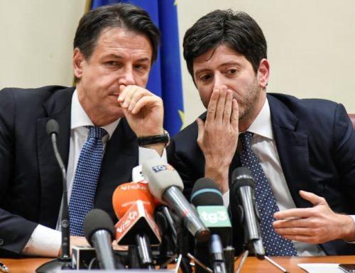 """Coronavirus, medici italiani contro il governo: """"Ora basta! Stiamo morendo, dateci le mascherine"""""""