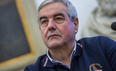 """Boom Il Codacons contro il numero uno della Protezione Civile Borrelli: """"Mente su verbali secretati e respiratori, si deve dimettere"""""""