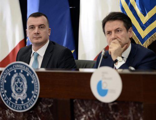 Conte e Casalino, quei 38 giorni di ritardo che hanno gettato il Paese nel baratro