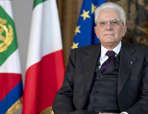 """Con la bocca siamo tutti bravi, anche Mattarella 25 aprile: """"Oltre i contrasti la nostra identità è unita"""". Caro Mattarella, ma oggi, a noi italiani, chi deve venire a liberarci?"""