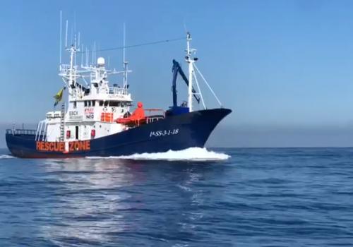 Prego, la Boldrini vi aspettava La Ong Aita Mari a largo delle coste italiane con 36 migranti a bordo