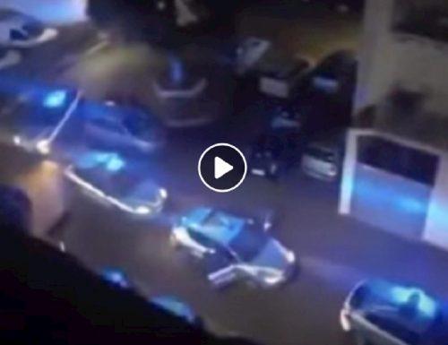 """Il video del figlio del poliziotto ucciso che lascia senza fiato: """"mamma dove sta papà"""" L'eroe è volato in cielo, è in paradiso"""