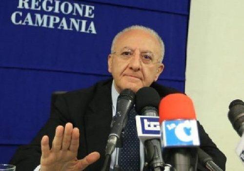"""Regione Campania, De Luca rimanda la Fase 2 a giovedì 21: """"al nord fanno ammuina, noi no"""""""