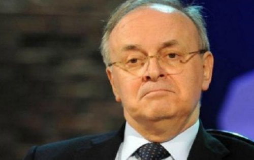 """L'assurdo, Piercamillo Davigo ne spara un'altra delle sue: """"L'errore italiano? Dire aspettiamo le sentenze. Sono tutti innocenti"""" Li vuole in galera senza aspettare? E Bonafede, pure è  innocente?"""