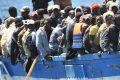 Bellanova piange e i migranti arrivano a iosa Lampedusa è scoppiata [Video]