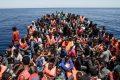 Oltre 650mila immigrati pronti a sbarcare in Italia: la sanatoria della Bellanova rischia di far scoppiare le coste italiane