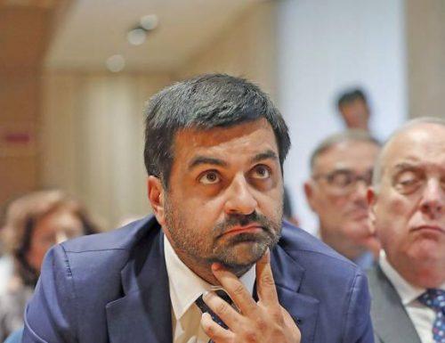 Luca Palamara, incontri in albergo: la Cassazione chiede il processo disciplinare Per Palamara si mette veramente male