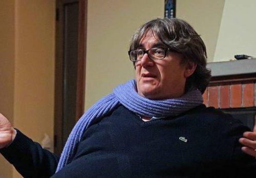 """Don """"bella ciao"""" Biancalani querela Salvini. Osò dire: """"Tutelo io il buon nome dei tuoi parrocchiani"""" Certo, che un prete così non si era mai visto (quereli anche noi?)"""