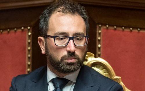 """[Boom] Bonafede: """"Non commento le intercettazioni su Salvini"""". Ma che razza di ministro della Giustizia è?"""