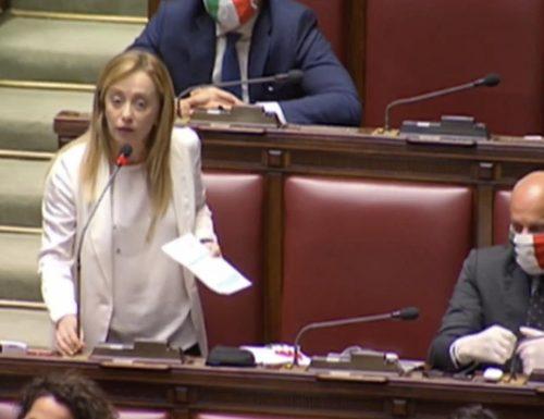 """Meloni sbugiarda  Conte: """"Scappi dal Parlamento per paura di brutte sorprese sul Mes. Vergogna"""" [Video]"""