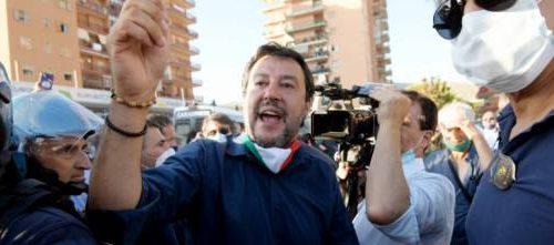 """Il Capitano a testa alta, non indietreggia di un millimetro: """"i violenti di Mondragone non ci fermano. La Campania non è quella di Saviano"""" [Video]"""