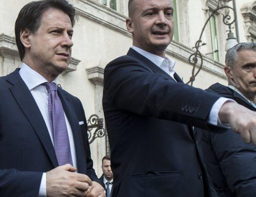"""La rabbia di Casalino in quella frase: """"una caz***a grossa come una chiesa"""" Giuseppe Conte indagato dai pm di Bergamo?"""