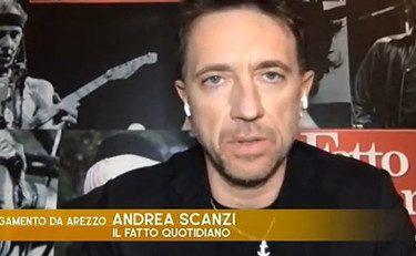 """Un'altra figura di mer** per Andrea Scanzi, ormai fa la collezione.  Esulta: """"I cazzari del virus primo in classifica, sei volte Renzi!"""". Viene travolto dai vaffanc***"""