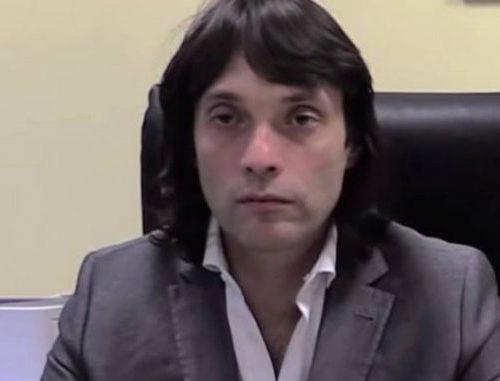 Chiamate i marziani, questa è un'altra lingua Gianluca Perilli M5s, è riuscito a parlare per 10 minuti senza dire un caz**