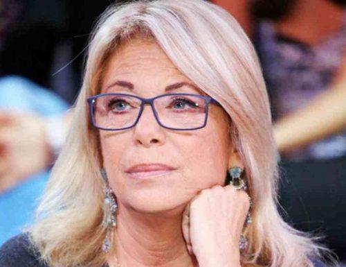 """Rita Dalla Chiesa asfalta la sindaca grillina Virginia Raggi: """"Guarda lo schifo che c'è a Roma, altro che guanti e mascherine"""""""