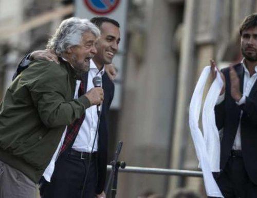 """Che figura…. Di Battista fa il mea culpa e torna in lacrime da Grillo: """"È un patriota, lo ringrazio, gli voglio bene"""""""
