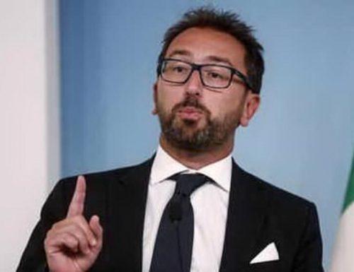 """Con Alfonso Bonafede e i 5 Stelle alla Giustizia, si è capovolto il mondo  Delmastro: """"Avvisi di garanzia agli agenti penitenziari, ha calato le braghe"""""""
