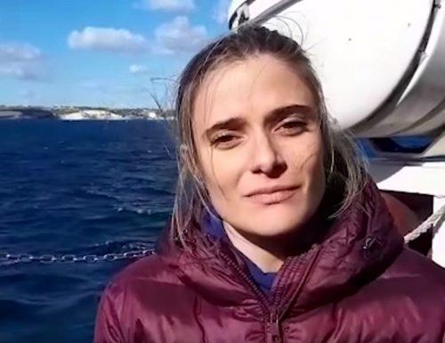 """Immigrazione, vaffanculo le leggi La portavoce di Sea Watch Giorgia Linardi: """"Il soccorso in mare un obbligo. Italia, stiamo arrivando"""""""