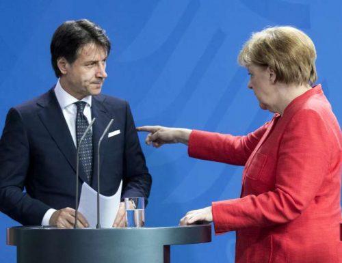 La Merkel insiste, l'Italia sta perdendo troppo tempo. La commedia di Conte e Pd, nel vano tentativo di convincere i grillini scontenti, ha rotto: Mes si, o addio aiuti