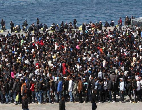 """Referendum a Lampedusa, gli isolani dicono """"No ad hotspot e sbarchi dei migranti"""" (988 su 992 dicono stop) Cosa si aspettavano le sinistre?"""