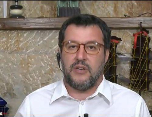 """Matteo Salvini sputtana il doppio gioco di Renzi: """"Ecco perché ha salvato Bonafede"""""""