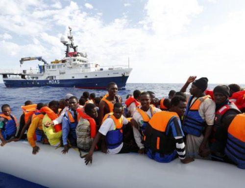 Le Ong ci portano altri 211 migranti, Malta e Tunisi ridono e se ne fregano. La Lega: intervenga la magistratura