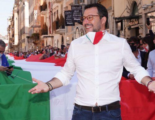 """Matteo Salvini a valanga contro Sergio Sylvestre: """"Giustizia all'Inno, rifatevi le orecchie"""""""