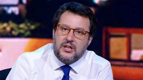 """Salvini caterpillar: """"Bersani parla come un cretino"""" E a Conte: """"Basta la Cgil nelle case degli italiani"""""""