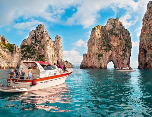 Coronavirus, il caso: tre romani positivi dopo una vacanza a Capri. Lo erano già o l'hanno preso sull'Isola?