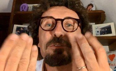 """Fumo negli occhi agli italiani Autostrade, niente revoca ai Benetton, ma esultano. Crimi: """"Risultato straordinario, merito del M5s. Grazie Toninelli"""" E la revoca?"""