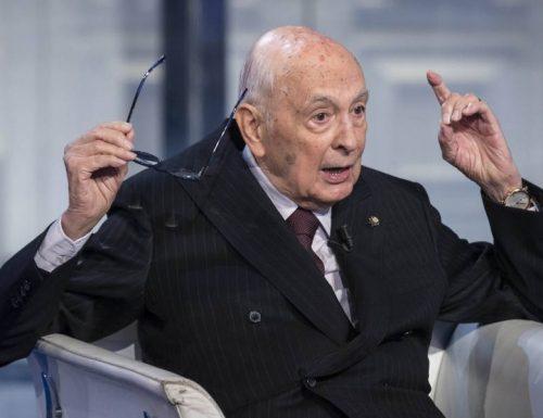Golpe Berlusconi, Giorgio Napolitano è alle corde: la domanda a cui deve rispondere, per forza!