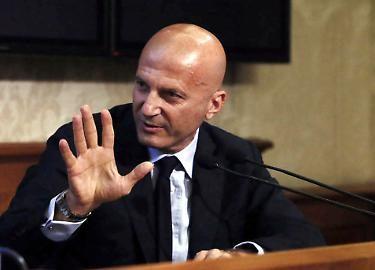 """Un Minzolini epocale distrugge Travaglio: """"Dopo aver incassato i 2 milioni da Conte, ha trasformato Il Fatto nella Gazzetta Ufficiale di Conte"""""""