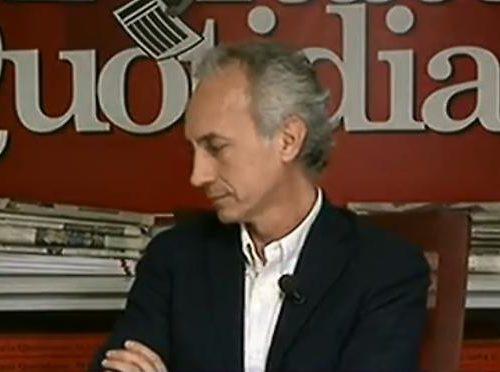 """Che figura di mer**. Anche Andrea Romano prende a sberle Marco Travaglio: """"Il campione dei picchiatori a mezzo stampa"""""""