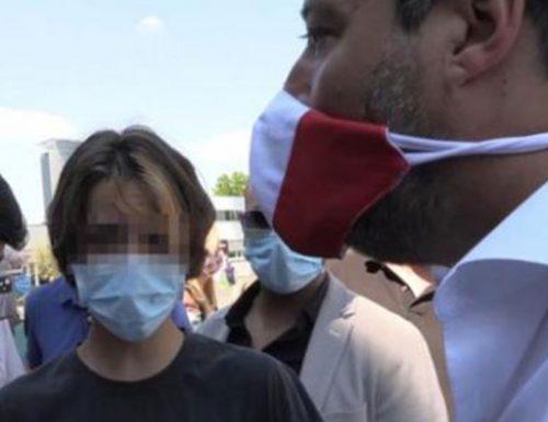 """Selvaggia Lucarelli vergogna, Salvini: è stata Selvaggia Lucarelli a buttare in pasto ai giornali suo figlio di 14anni"""" [Video]"""