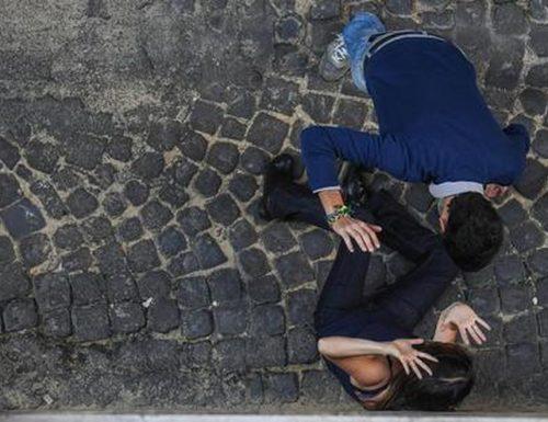 Lo schifo a Napoli: immigrato senegalese abusa e violenta due donne, una delle quali sordomuta