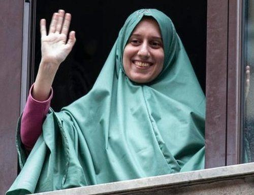 """Silvia Romano, la confessione sul velo: """"è un simbolo di libertà"""". Ma siamo sicuri?"""