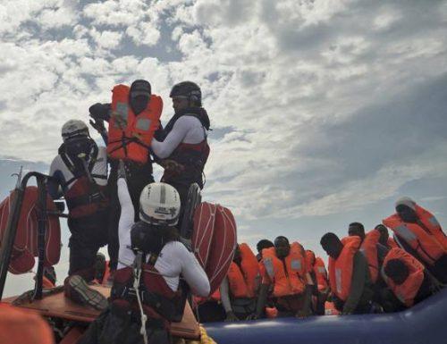 Ocean Viking, le Ong vincono ancora: Conte si arrende di nuovo: fa sbarcare altri 180 migranti e la sinistra stappa champagne